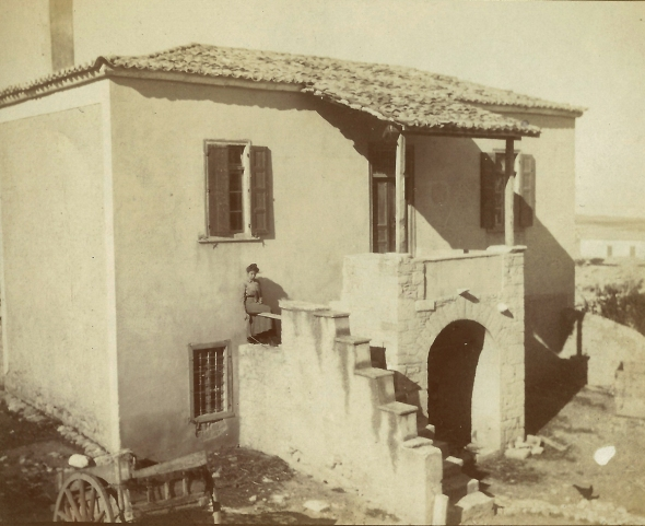 Zillah Dinsmoor in front of the Corinth Excavation House, ca. 1910. ASCSA Archives, William Bell Dinsmoor Papers.