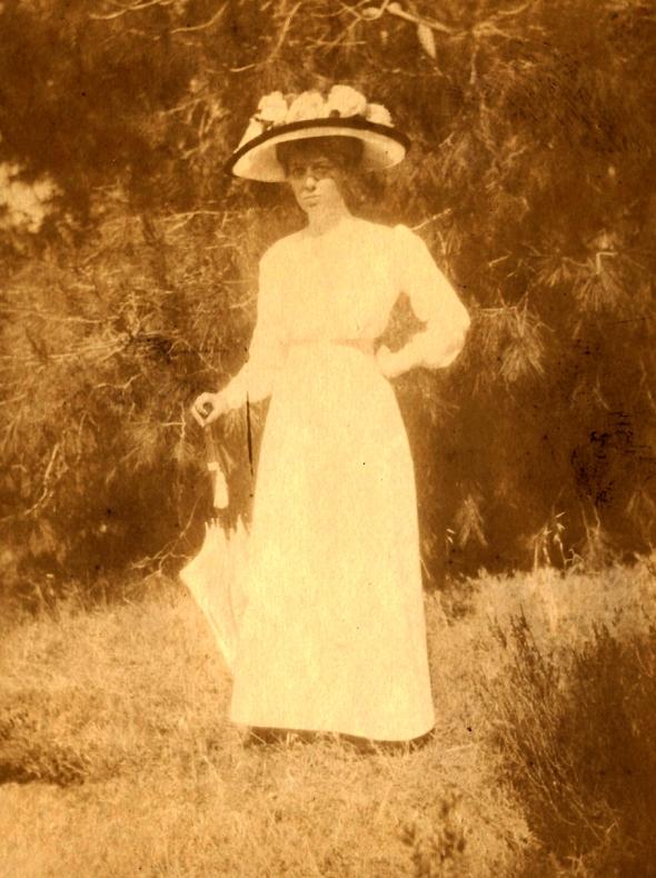 Zillah Dinsmoor, ca. 1910